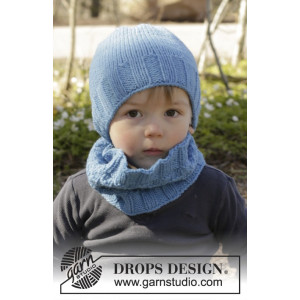 Bluebeard by DROPS Design - Knitted Neck Warmer and Hat with Textured Pattern size 12/18 months - 7/10 years