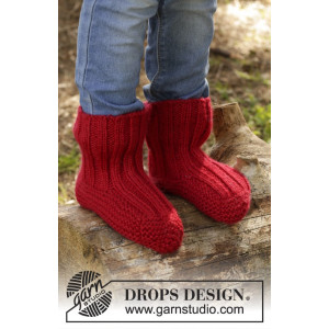 Tomato Jam by DROPS Design - Knitted Children Slippers with Rib Pattern size 20/21 - 35/37