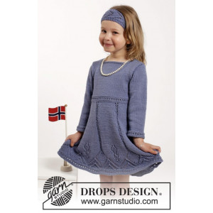 Wendy Darling by DROPS Design - Knitted Dress and Hair Band with Lace Pattern size 2 - 10 years