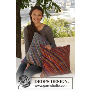 Under The Sea by DROPS Design - Knitted Pillow Covers Pattern 45x45cm