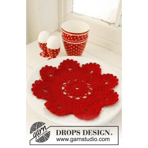 Christmas Dinner by DROPS Design - Crocheted Christmas Placemat Pattern 24 cm