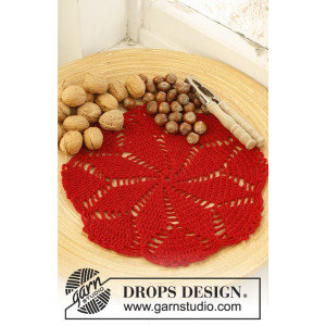 Charlotte's Star by DROPS Design - Crocheted Placemat with Star Pattern 30 cm