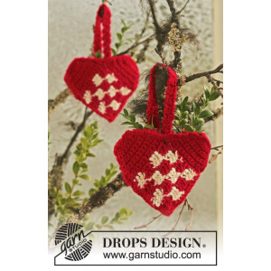 Heart Basket by DROPS Design - Christmas Basket Crochet Kit 10 cm - 2 pcs